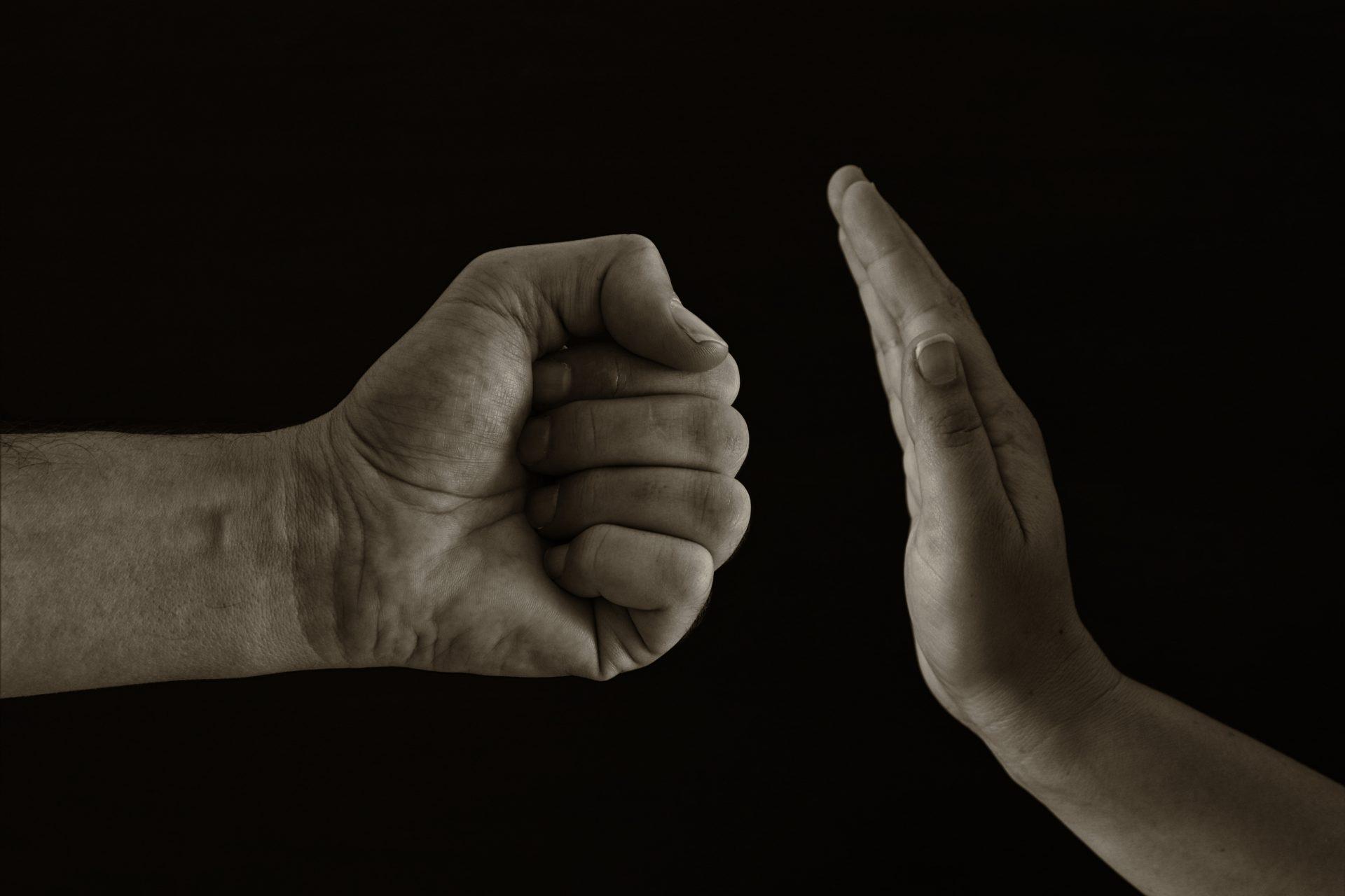 Kampen mot mäns våld mot kvinnor – upprop den 25 november