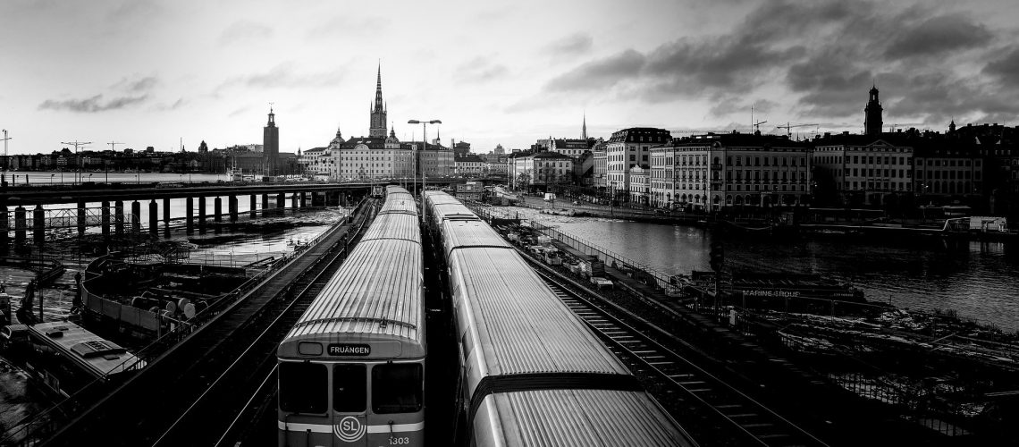 trains-4184537_1920
